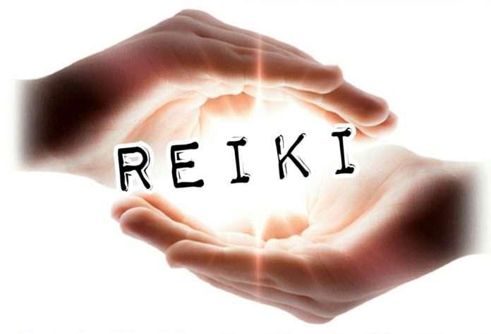 Reiki hand chakras energy