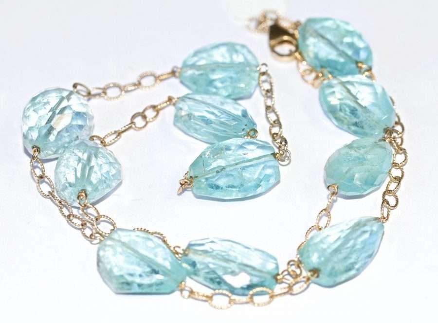 zodiac sign aquamarine