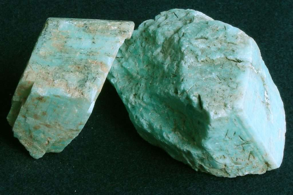 crystal healing with amazonite